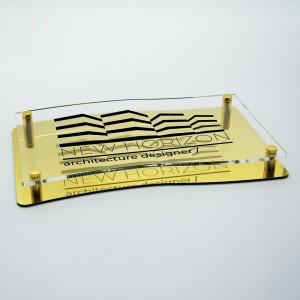 Targa Doppia Lastra in Alluminio Composito Oro Lucido e Plexiglass Trasparente Stampata Bandiera