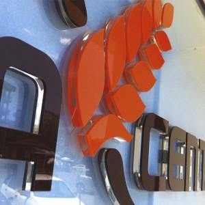 Lettera in Plexiglass a rilievo 8+3 mm Personalizzate